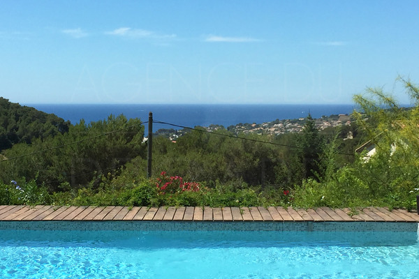 house in carqueiranne with sea view , buy house with 4 bedrooms and swimming pool , var , cote d'azur
