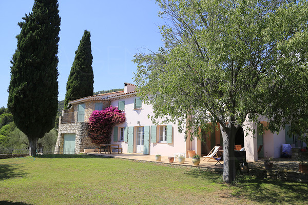 house for sale in sanary sur mer, buy house with sea view , swimming pool and 5 bedrooms , bastide with olive trees, var , cote d'azur