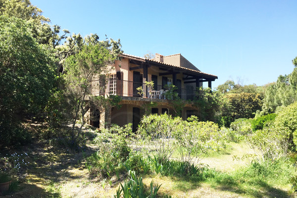 house for sale in giens in fews steps from the sea , buy house , var , cote d'azur , 6 bedrooms