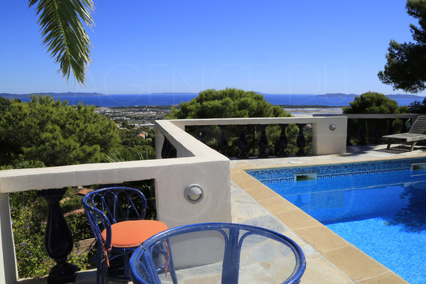 BUY HOUSE IN HYERES / SEA VIEW / 5 BEDROOMS / SWIMMING POOL