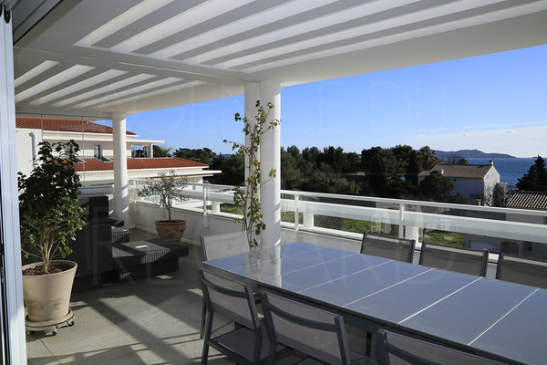 carqueiranne for sale contempory penthouse with sea view