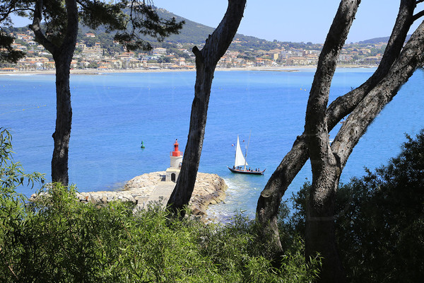 property to sale / var / cote d'azur / sanary sur mer / seaview panoramic / 2 bedrooms